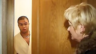 Mature Blonde DAFFANTY seduces young dick