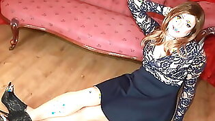 big titted woman in high heels and hose wears pantyhose
