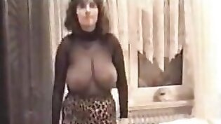 Amateur milf gives Adult Model his dick