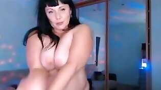 Clip video of girls dancing naked on top