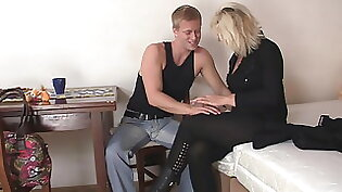 blonde mature hair dealer loves to play with her neighbors cock
