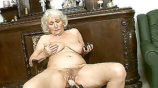 Big black cock for a granny with tight body