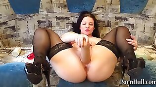 Mature sucking and fisting pussy